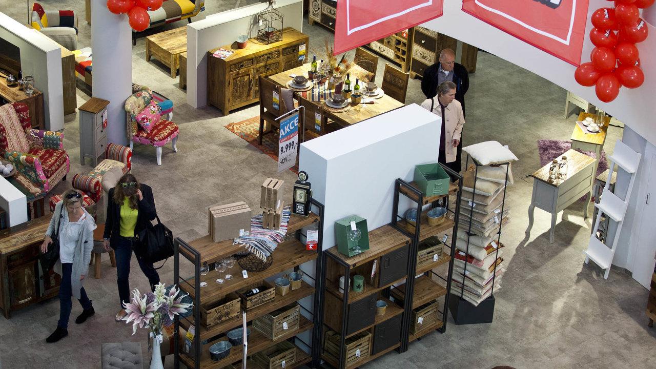 Sedm prodejen nábytku Kika otevře pod novým názvem XXXLutz.