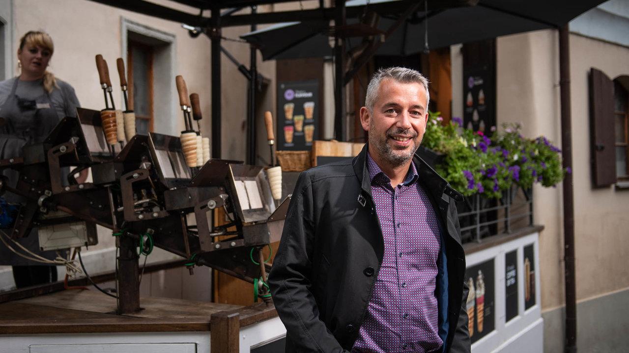 Špatné časy: Petra Bočka netrápí jen nekalá konkurence, ale také ztráta více než 80 procent tržeb kvůli koronaviru achybějícím turistům, kteří jsou jeho hlavní zákazníci.