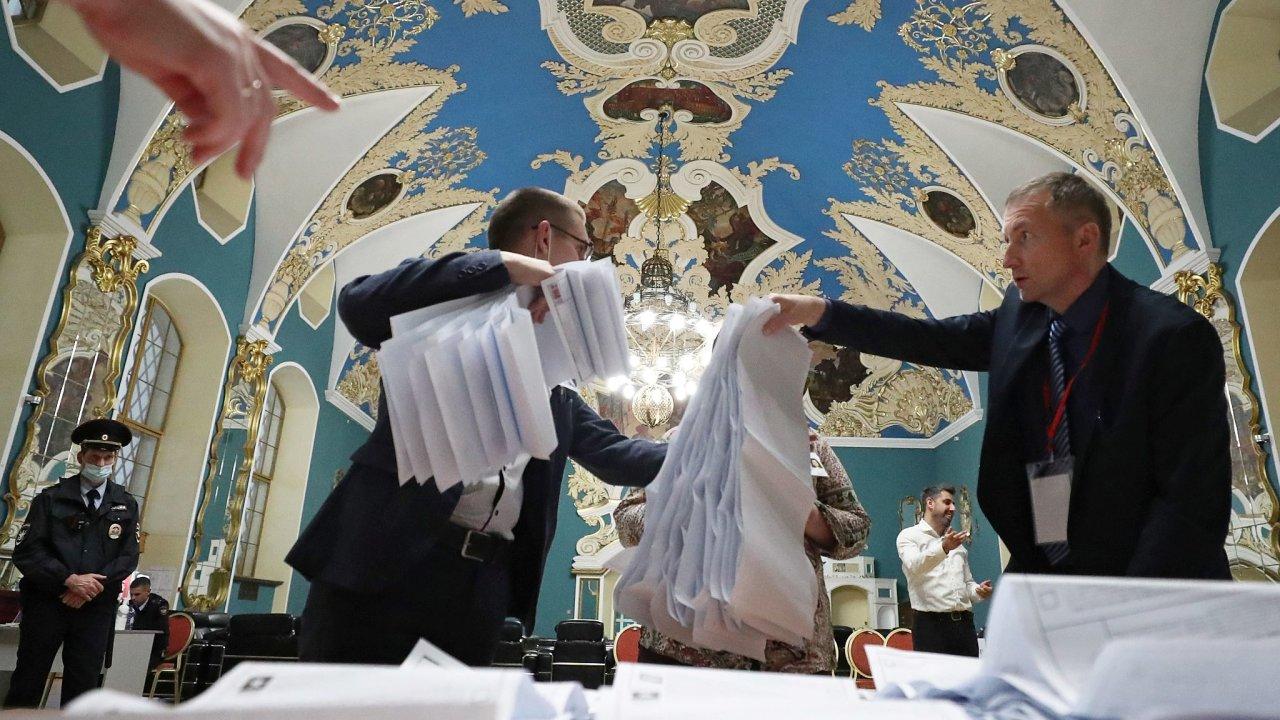 V ruských volbách vyhrálo nepřekvapivě Jednotné Rusko.